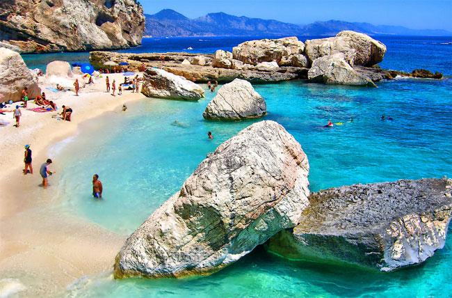 Sardegna mare italia offerte villaggi luglio agosto for Sardegna budoni spiagge