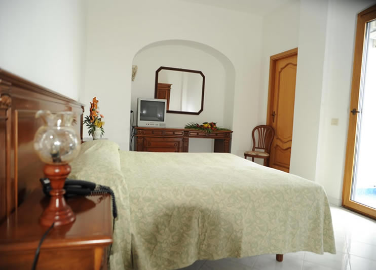 Hotel Zaro Forio Ischia Ai Prezzi Bassi D Italia I