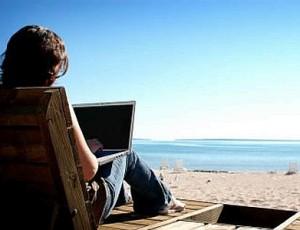 la crisi ferma le vacanze degli italiani e si prenota online 300x230 Vacanze: 4 italiani su 5 prenotano online