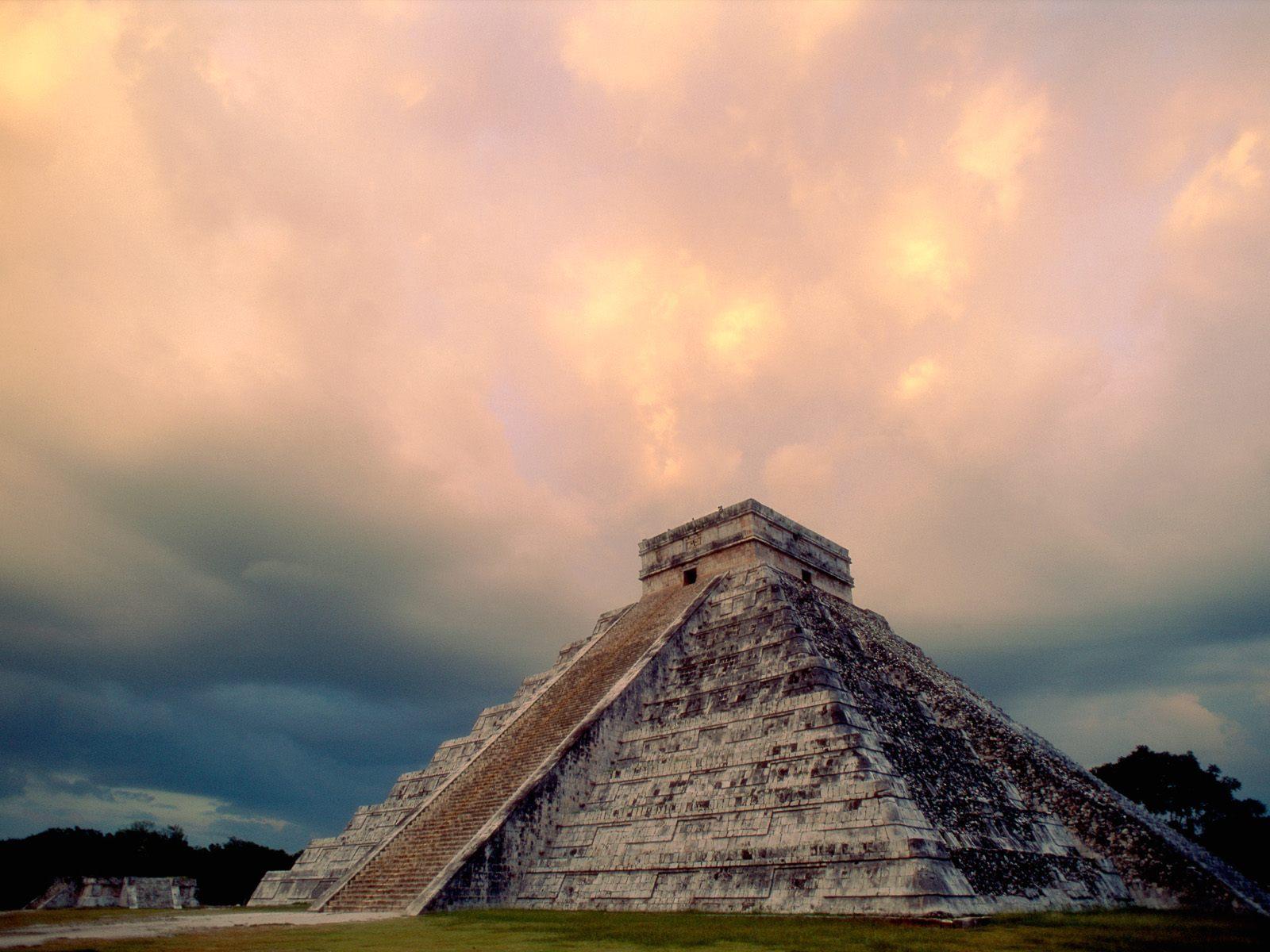Castillo firey sky Messico dai Maya al mare caraibico