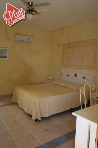 Hotel Shardana a Baia Santa Reparata. Fai il tuo preventivo in 3 sec.