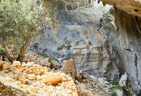 Tiscali Sardegna: cosa vedere oltre al villaggio