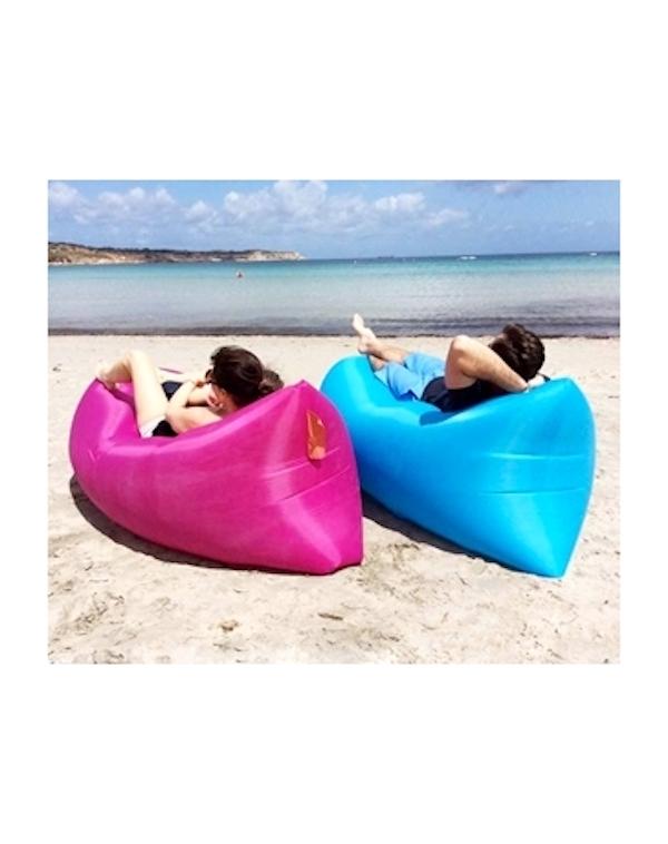 8 idee geniali da portare in spiaggia che forse non hai - Divano gonfiabile aria ...